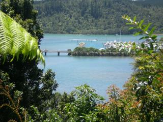 Whangamata Vistas B&B. Island View Room - Whangamata vacation rentals
