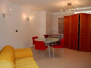 Cozy 1 bedroom House in Colli di Fontanelle with Deck - Colli di Fontanelle vacation rentals