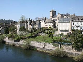 9 bedroom Chateau with Internet Access in Argentat sur Dordogne - Argentat sur Dordogne vacation rentals