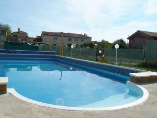 Lovely 2 bedroom Vacation Rental in Cherbonnieres - Cherbonnieres vacation rentals