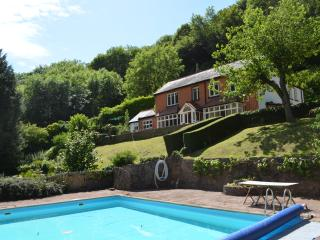 Bright 6 bedroom Symonds Yat House with Internet Access - Symonds Yat vacation rentals