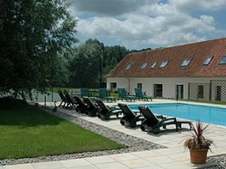 Holiday house with pool and tennis court - Sempy vacation rentals