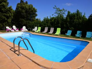 Comfortable 2 bedroom Farmhouse Barn in Besalu - Besalu vacation rentals