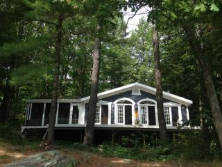 Lake Muskoka Cottage and Bunkie, Sleeps 11, w/boat - Ontario vacation rentals