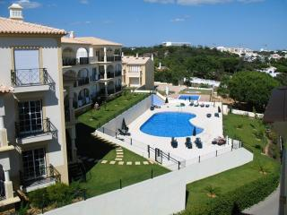 Albufeira apartment, close to beach, shops, cafes - Albufeira vacation rentals