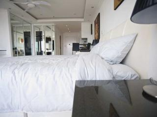 Luxury Studio Pattaya central - Seaview on Beach - Pattaya vacation rentals