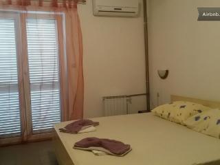 Romantic 1 bedroom Bed and Breakfast in Drvenik - Drvenik vacation rentals