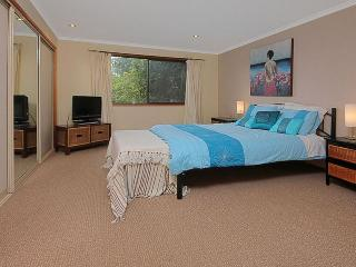 Nice 3 bedroom Batemans Bay House with Television - Batemans Bay vacation rentals
