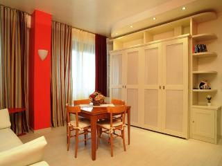 Sienahomeandsailing-Red apartment - Siena vacation rentals