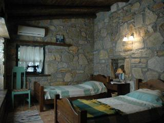 2 bedroom Cottage with Internet Access in Gokova - Gokova vacation rentals