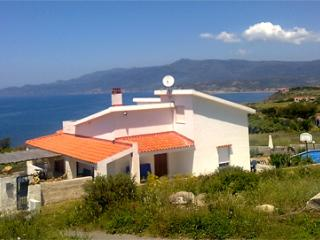 Villa Mannu. A family home in tranquil sea setting - Bosa vacation rentals