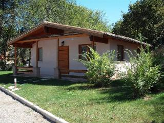 Cozy 2 bedroom Vacation Rental in Giove - Giove vacation rentals