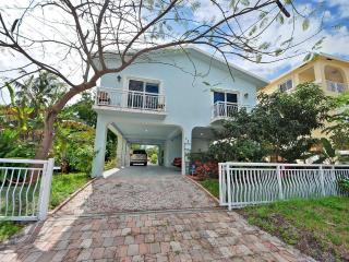 Beautiful House with Internet Access and A/C - Key Largo vacation rentals