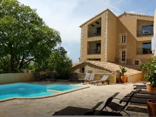 JDV Holidays  - The Old Gendarmerie 3, Bonnieux - Bonnieux vacation rentals