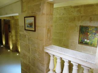 Charming Apartment in Sliema - Sliema vacation rentals