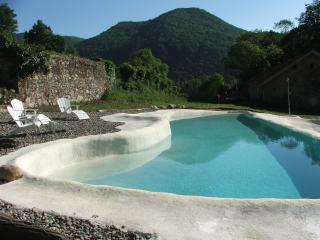 Nice Gite with Internet Access and A/C - Luscan vacation rentals