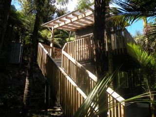 1 bedroom Guest house with Internet Access in Piha - Piha vacation rentals