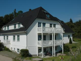 Ferienhaus Südstrand Schwimmbad Sauna 2Räder  WLAN - Gohren vacation rentals
