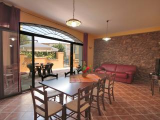 Casale La Zagara (sleeps 4+1) - Sciacca vacation rentals