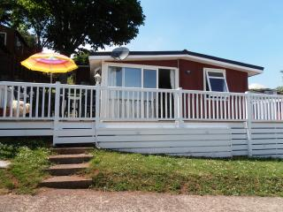 Beautiful 2 bedroom Chalet in Shaldon with Children's Pool - Shaldon vacation rentals