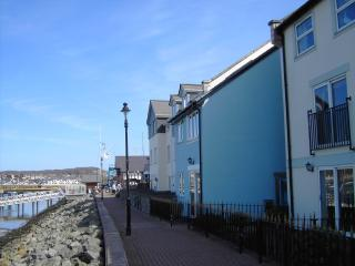 Ty Glas - Blue House, Waterfront Conwy Marina - Conwy vacation rentals