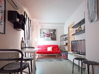 Beautiful 10 bedroom Fondi Apartment with Internet Access - Fondi vacation rentals