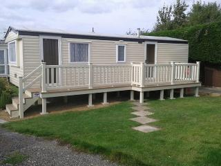 Cozy 2 bedroom Caravan/mobile home in Hayling Island - Hayling Island vacation rentals