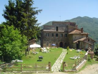 Nice Bed and Breakfast with Satellite Or Cable TV and Parking - Bardino Nuovo vacation rentals