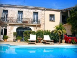 Hliday accommodation Montpellier France with pool - Sussargues vacation rentals