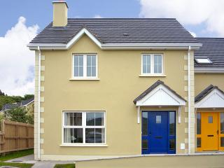 Nice Cottage with Parking Space and DVD Player - Portnablagh vacation rentals