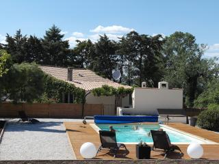 Beautiful Cottage with Internet Access and Satellite Or Cable TV - Montagnac vacation rentals