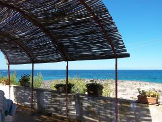 2 bedroom Condo with Internet Access in Pulsano - Pulsano vacation rentals