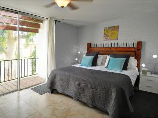 Remodeled Townhome In Central Phoenix - Phoenix vacation rentals