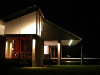 Comfortable 2 bedroom Kangaroo Valley House with Dishwasher - Kangaroo Valley vacation rentals