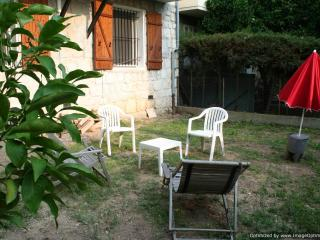 Villa with Large Garden, in the Best Quarter of Nice - Nice vacation rentals
