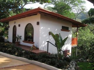 Tranquil Casita  with jungle views - Atenas vacation rentals