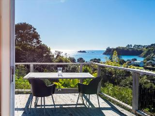 BLACK BACH - Auckland vacation rentals