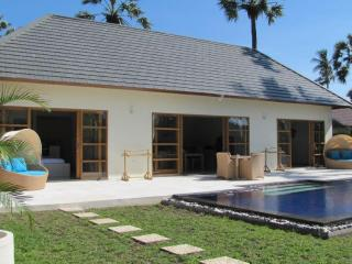 Villa Santai 2 bedroom villa with private pool Brand new construction - Kubu vacation rentals