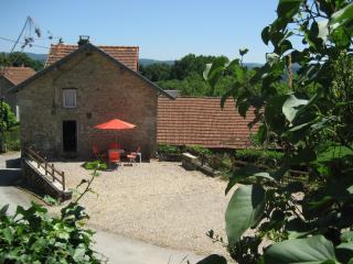 Delightful, dog-friendly cottage in rural Creuse, sleeps 2 plus double sofa bed - Bourganeuf vacation rentals
