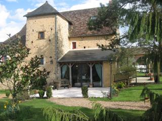 Le Chateau. Large village house. - Le Mans vacation rentals
