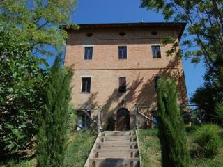 3 bedroom Bed and Breakfast with Internet Access in Papiano di Marsciano - Papiano di Marsciano vacation rentals