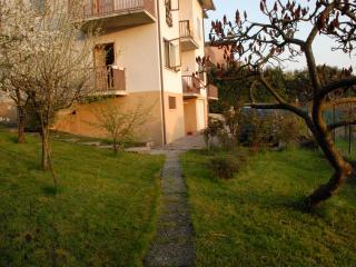 """Casa vacanze-relax """"LA GIOIOSA"""" - Bassano Del Grappa vacation rentals"""