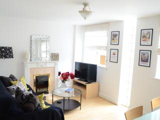 Notting Hill - Hyde Park - Central with Parking ! - London vacation rentals
