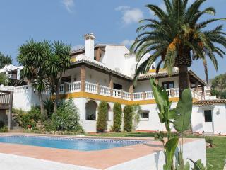 Bright 4 bedroom Villa in Arroyo de la Miel - Arroyo de la Miel vacation rentals