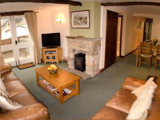 2 bedroom Cottage with Washing Machine in Ingleton - Ingleton vacation rentals