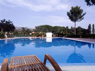 CASA  IN VILLAGGIO TURISTICO - Soverato vacation rentals