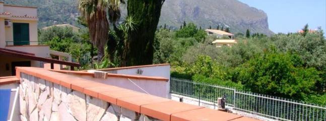Cozy Bungalow with Internet Access and Balcony - Villagrazia di Carini vacation rentals