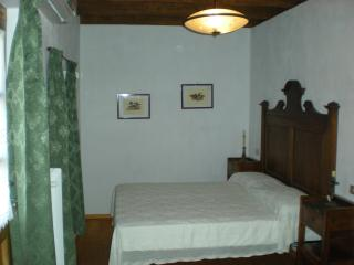 Bright 4 bedroom Marano Lagunare Finca with Linens Provided - Marano Lagunare vacation rentals