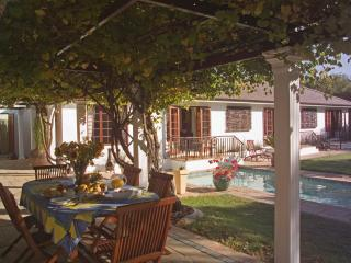 3 Palms Luxury Cottage - Bloubergstrand vacation rentals