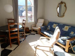 Apartment 3 34 rue du Faubourg - Prats de Mollo la Preste vacation rentals